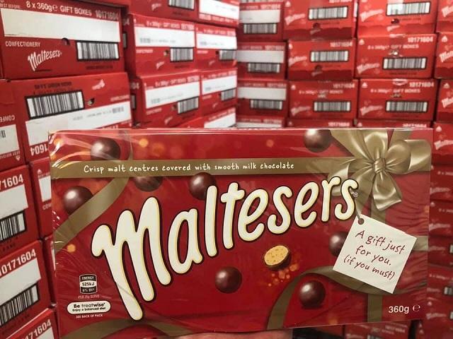 Viên kẹo Socola Maltesers 360g thiết kế hộp quà tặng đẹp mắt 2