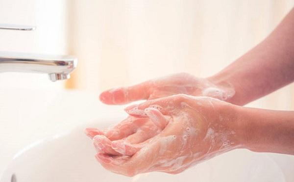 Chọn dung dịch rửa tay để phòng ngừa dịch cúm Corona 1